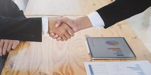 bloh header photo-of-people-doing-hand-shake-3740400